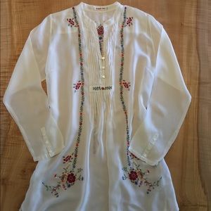 Johnny Was embroidered tunic M
